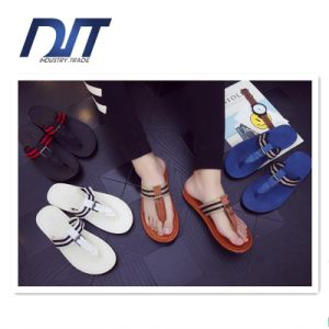 Korean Style Summer Fashion Men′s Slippers Simple Thick Soled Slippers pictures & photos