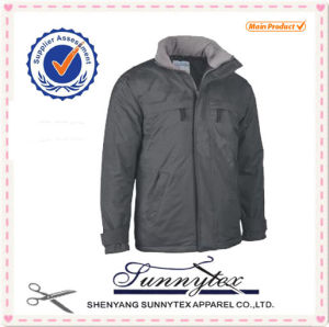 Waterproof and Breathable Outdoor Winter Jacket Men Parkas pictures & photos