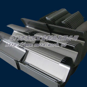 China Custom Metal Cutting and Bending pictures & photos