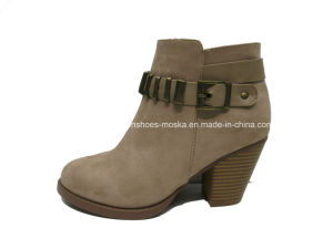 New Style Lady Fashion Women Chunky High Heel Ankle Boots for Winter pictures & photos
