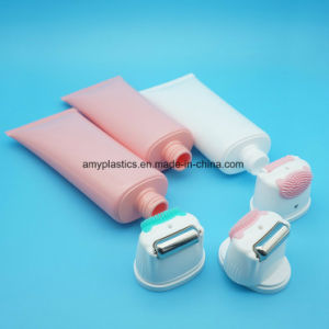 Plastic Cosmetic Oval Tube with Metal/ Silicon Roller and Silicon Soft Brush Applicator pictures & photos