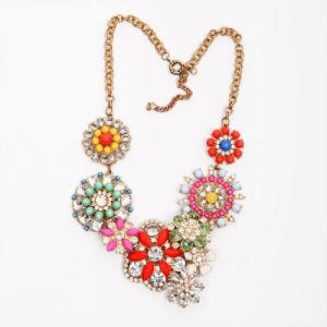 Fancy Floral Bib Fashion Necklace (77HH3102)