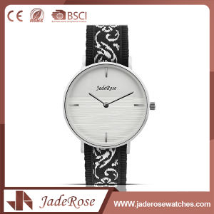 Mineral Glass Stainless Steel Ladies Quartz Watch pictures & photos