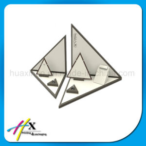 Modern Customized Showcase Necklace Pendant Jewelry Display pictures & photos