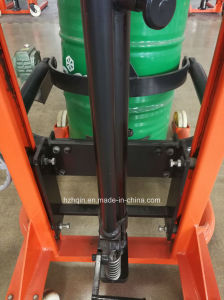 Niuli High Quality Handing 0.35t Oil Drum Lifter with Hydraulic Pump pictures & photos
