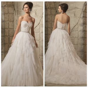 Strapless Bridal Ball Gowns Lace Tiered Tulle Wedding Dress Tb127 pictures & photos