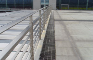 Steel Grating Fence Railing pictures & photos