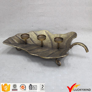 Leaf Plate Golden Finish Metal Vintage Candle Holders pictures & photos