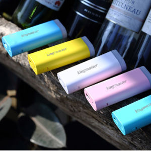 [King Master ][3.59$]2017 Hot Lithium Battery 5200mAh Portable Power Bank LED pictures & photos