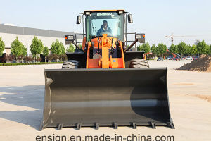 Ensign Brand Model Yxx656 with Rated Load 5 Ton and 3.0 M3 Bucket pictures & photos