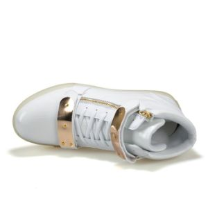 Metal Magic Tape Flashing LED Light up Shoes for Couple pictures & photos