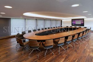 Luxury Large Office Oval Meeting Table Design Banquet Table (SZ-MT119) pictures & photos