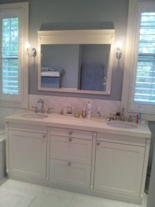 White Lacquer House Bathroom Cabinets Designs pictures & photos