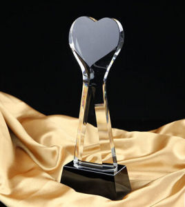 Hot Selling Crystal Heart Trophy Award pictures & photos