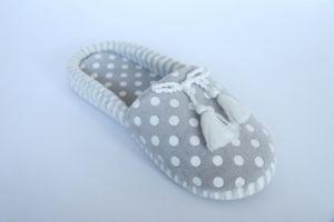Women′s Indoor Slipper with Print pictures & photos