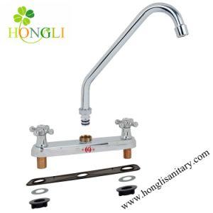 61011 Kitchen Faucet pictures & photos