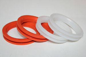 Customized Colorful Industrial FPM Rubber O-Ring pictures & photos