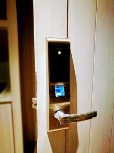High Level Cheap Biometric Fingerprint Security Digital Door Lock pictures & photos