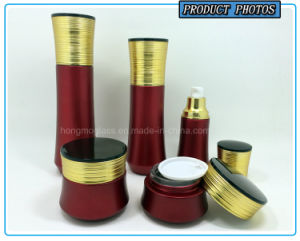 Luxury Red Colored Cosmetic Glass Bottles and Cosmetic Glass Jars pictures & photos