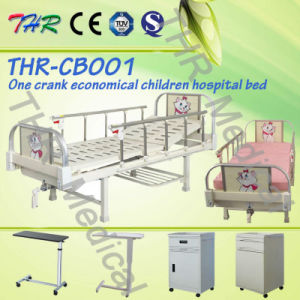 Thr-CB001 Single Crank Manual Medical Children Bed pictures & photos