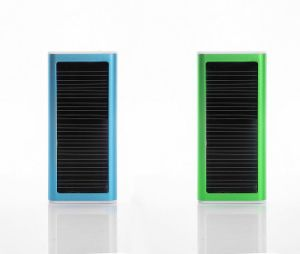 Ultra Thin Portable Solar Power Bank for Cellphone Charging pictures & photos