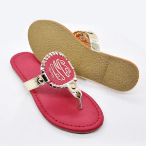 Hot Sell Beach Sport Monogramed Disk Sandals pictures & photos