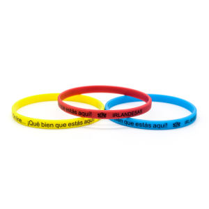 Customized Personal Design Wholesale Silicon Wristband pictures & photos