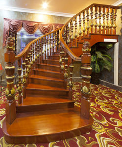 Modern Design Stairway Solid Wood Stair Case pictures & photos