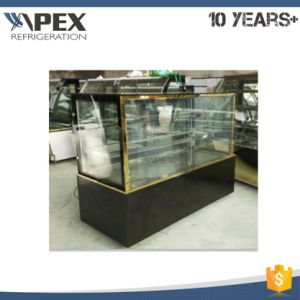 Flat Glass Cake Display Showcase Chiller with Four Caster Wheels pictures & photos
