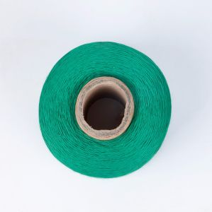 Hot Sale Green Polyester Firm Yarn for Cable pictures & photos