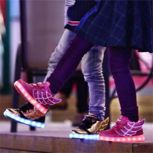 New Style Hot Sale Best Price Wings of Light Shoes USB Children Shoes Winter Boys and Girls Charging Lamp Luminous Shoes LED Light Shoes pictures & photos