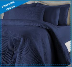 Wave Design Soft Cotton Bedspread Quilt pictures & photos
