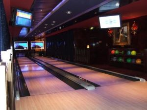 Refurbished Bowling Equipment pictures & photos