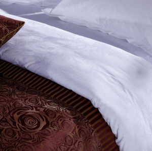 100% Polyester High Quality Bed Runner pictures & photos