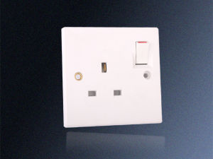 13A 1 Gang Sun Switched Socket