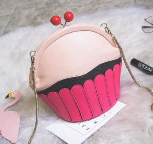 2017 Autumn and Winter New Cute Lady Ice Cream Shoulder Bag Chain Package Travel Bag pictures & photos