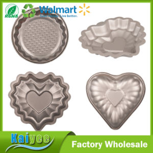 Mini Cute Decorator Non Stick Cake Mould with Round and Heart Shape pictures & photos