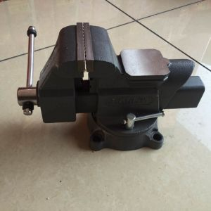 Adjustable Wire Cutting Vise Woodwork Bench Vise (HL) pictures & photos