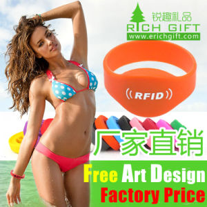 Cheap Custom Rubber Bracelet Jamaica Logo Printed Silicone Wristband pictures & photos