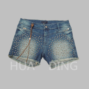 New Fashion Design Ladies Short Jeans with Nail Bead (HDLJ0028) pictures & photos