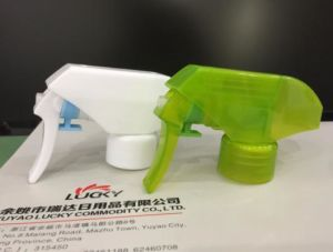 24mm 28mm PP Plastic Bottle Sprayer Nozzle with Excellent Spray Rd-102g2 pictures & photos