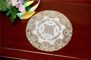 Feature Oilproof/Waterproof PVC Gold Lace Tablemat 40cm Round pictures & photos