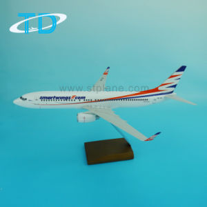 B737-800 Scale 1/100 Display Model Aircraft pictures & photos