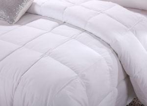 White Color 1.2D Siliconized Fiber Bedding Quilt pictures & photos