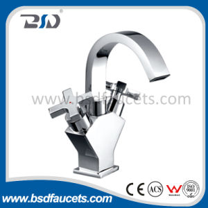 Double Lever Brass Kitchen Sink Faucet Chrome Finish Deck Mounted pictures & photos