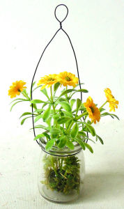 Life-Like Artificial Daisy in Glass Potting for All Public Decoration