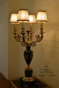 High Quality Living Room Decorations Ceramic Wholesale Table Lamps (TA-0632-4) pictures & photos