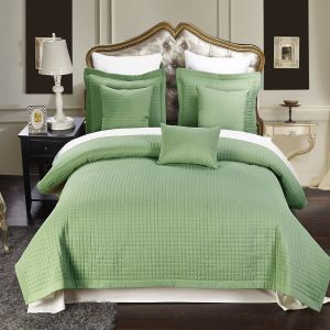 Luxury Microfiber Checkered Coverlet for Hotel/Home Usage (DPF10799) pictures & photos
