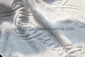 100% Cotton Custom Woven Embossed Logo Hotel Towel pictures & photos