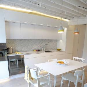 2016 New Design Kitchen Furniture Arredamento Cucina Gabinetto Buona Qualita Mobilio Bra Kvalitet Lack Skap Kitchen Cabinet pictures & photos